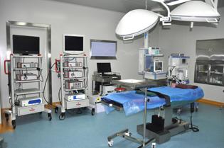 宫腹腔镜手术室